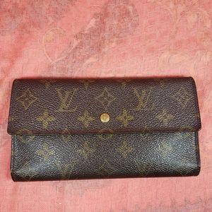 Auth. Louis Vuitton Monogram International Wallet